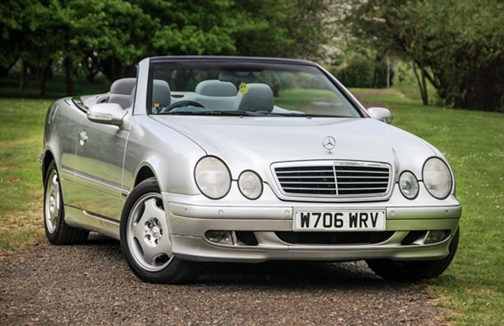 Lot 236 - 2000 Mercedes-Benz CLK 320 Elegance