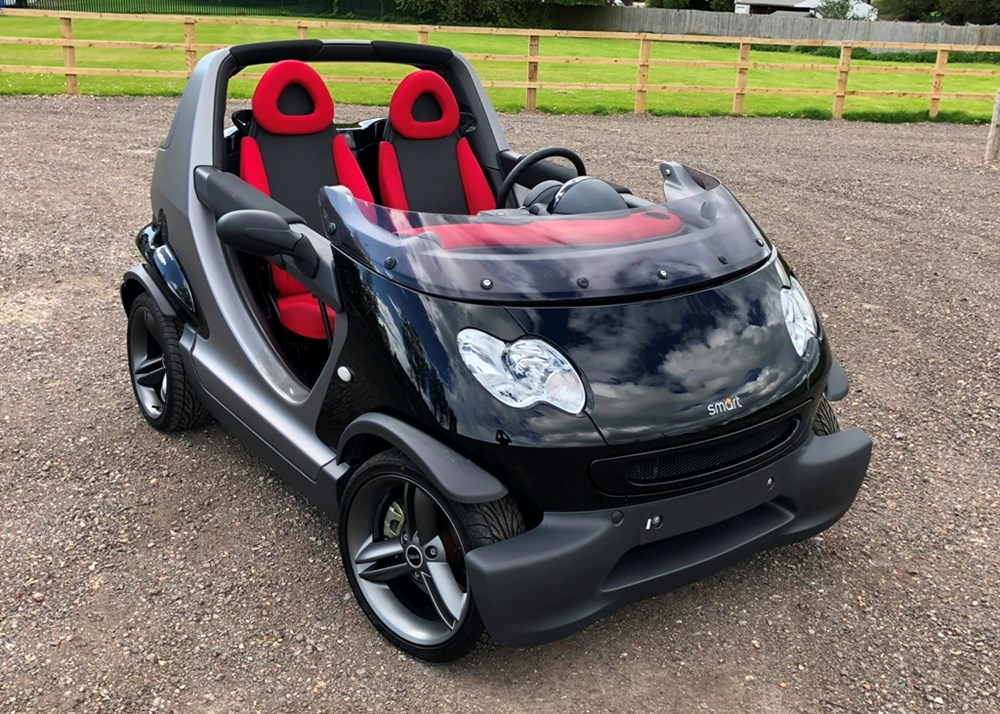 Lot 180 - 2005 Smart Car Crossblade Roadster owned by former World Champion boxer 'Prince' Naseem Hamed