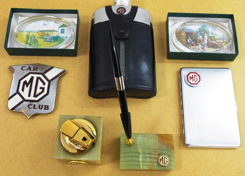 Lot 048 - MG Related Items