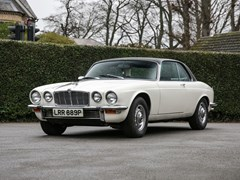 Navigate to Lot 215 - 1976 Jaguar XJ6 Series II Coupé (4.2 litre)
