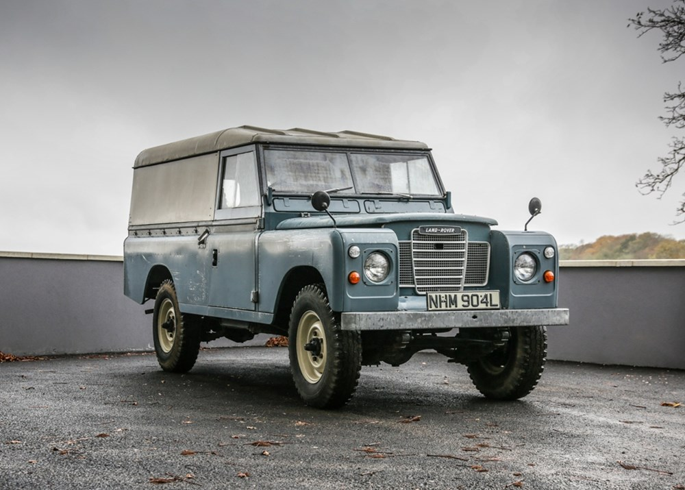 Lot 219 - 1972 Land Rover Series III LWB