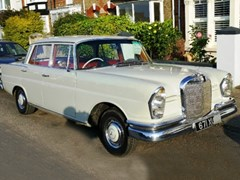 Navigate to Lot 344 - 1962 Mercedes-Benz 220 SB Fintail