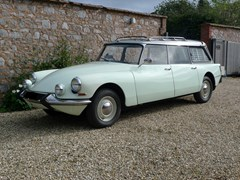 Navigate to Lot 235 - 1967 Citroën DS 21 Safari