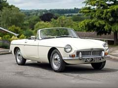 Navigate to Lot 127 - 1965 MG B Roadster