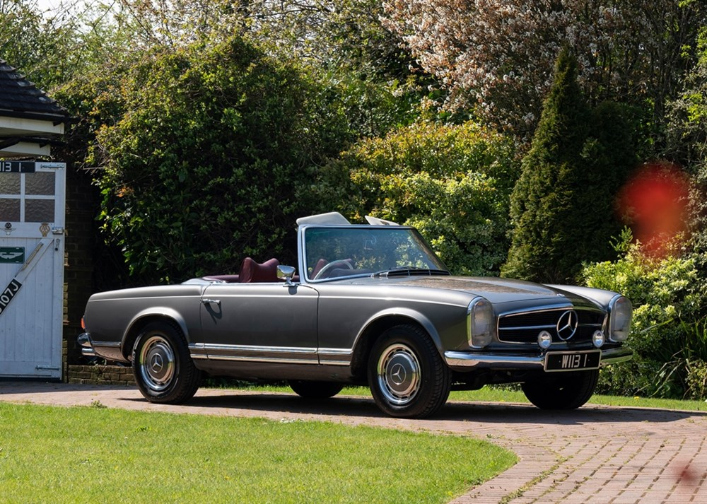 Lot 233 - 1968 Mercedes-Benz 280 SL Pagoda