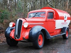 Navigate to Lot 285 - 1937 Dodge Tanker Truck