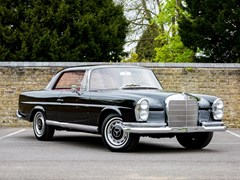 Navigate to Lot 240 - 1965 Mercedes-Benz 220 SE