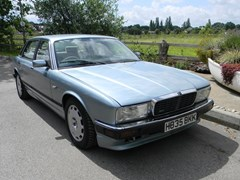Navigate to Lot 320 - 1990 12947 XJR 4.0 Litre Saloon