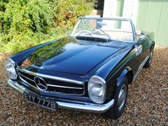 Navigate to Lot 304 - 1964 Mercedes-Benz 230SL Roadster