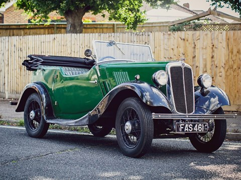 Ref 125 1937 Morris Eight Tourer