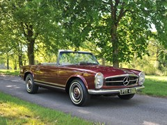 Navigate to Lot 133 - 1966  Mercedes-Benz 230 SL Pagoda