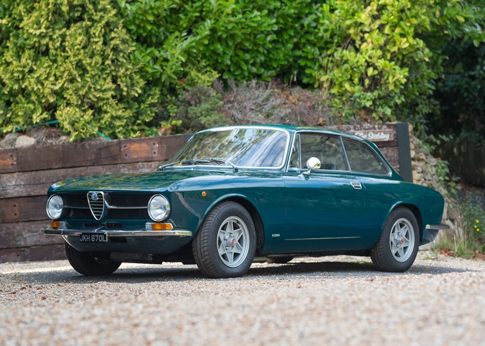 Lot 239 - 1972 Alfa Romeo 1300 GT Junior (2.0 litre)