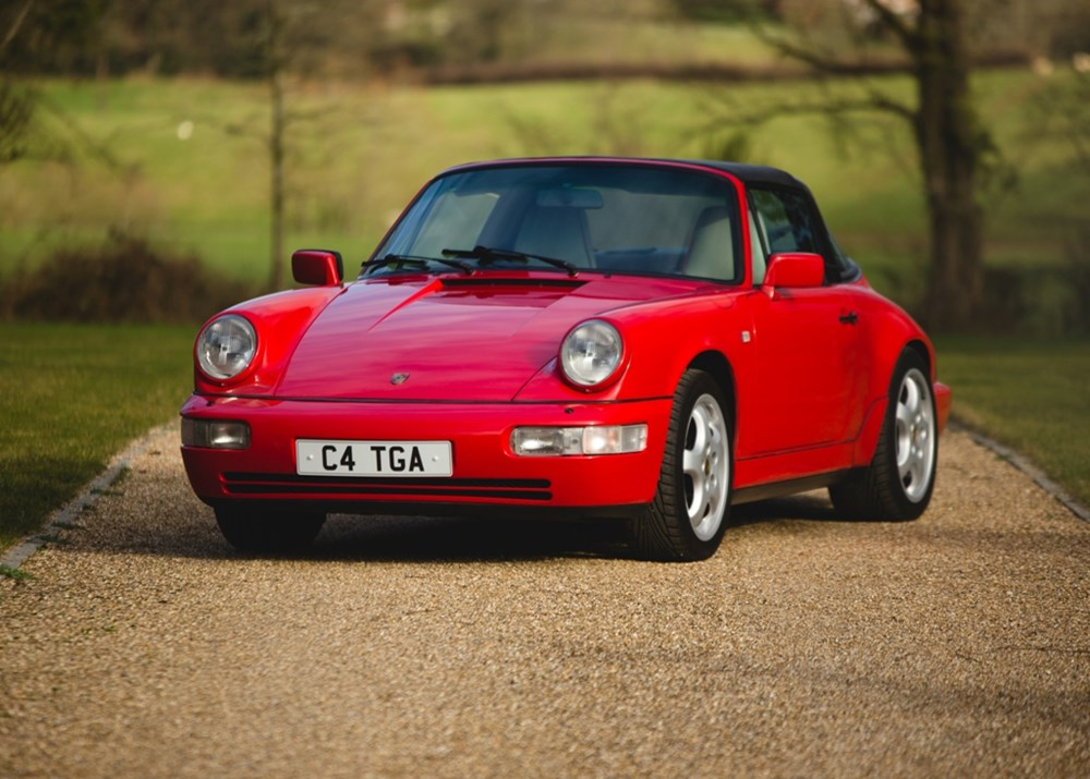 Lot 231 - 1990 Porsche 911 / 964 Carrera 4 Targa
