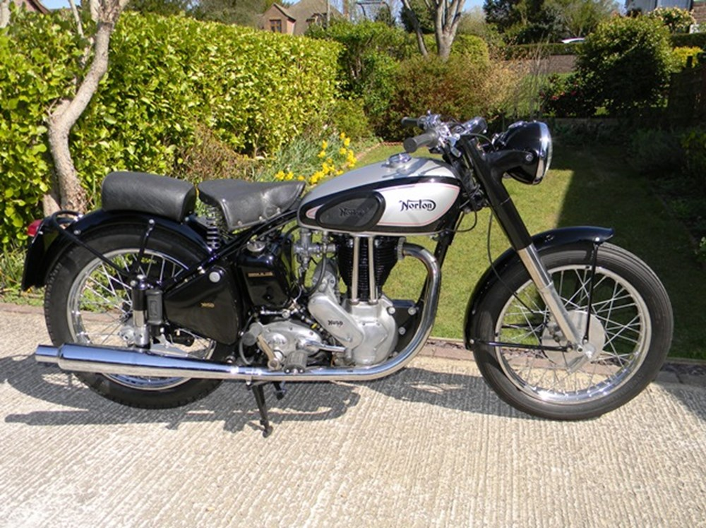 Lot 337 - 1951 Norton ES2