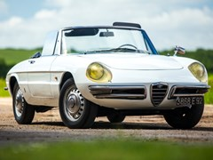 Navigate to Lot 155 - 1966 Alfa Romeo Duetto 1600 round tail Spider