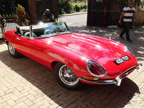 REF 127 1961 Jaguar E-Type Series I Roadster