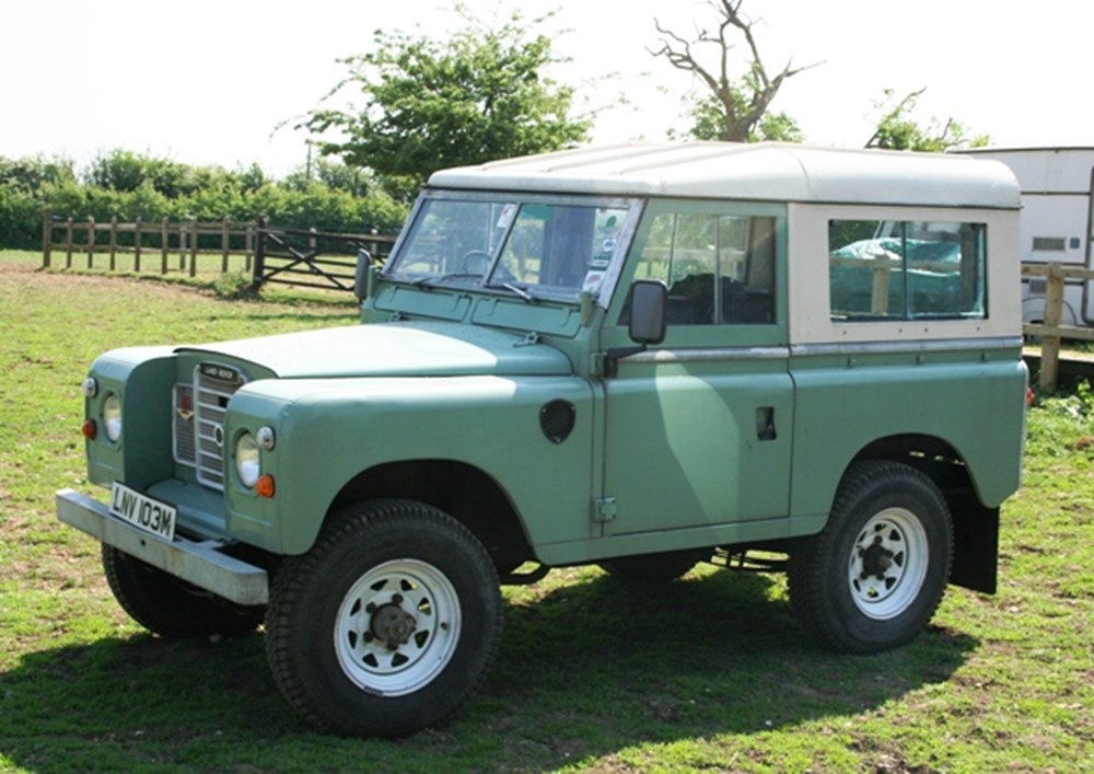 land rover specialist classic sports car auctioneers. Black Bedroom Furniture Sets. Home Design Ideas