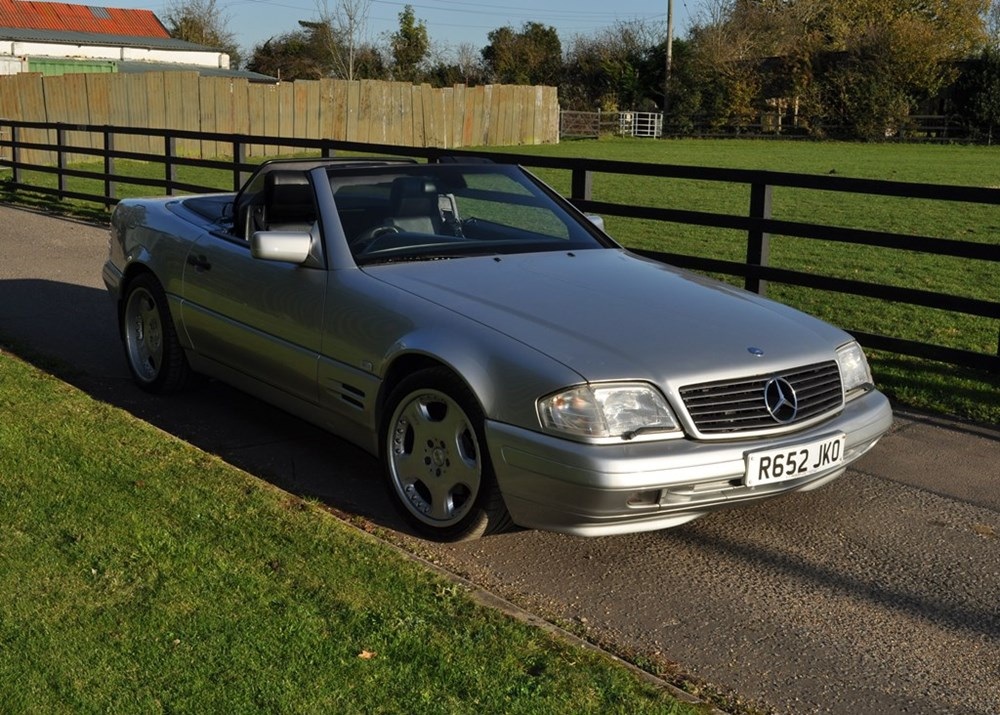 Lot 209 - 1997 Mercedes-Benz SL 320 Roadster
