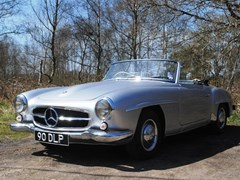 Navigate to Lot 375 - 1957 Mercedes-Benz 190SL
