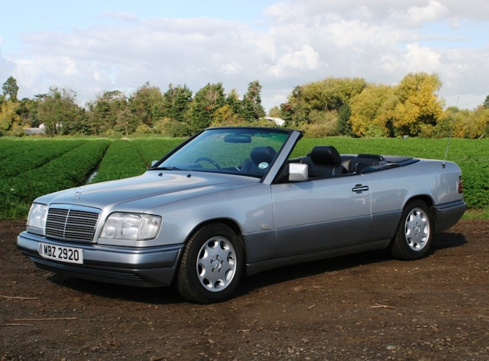 Lot 320 - 1996 Mercedes-Benz E220 Convertible