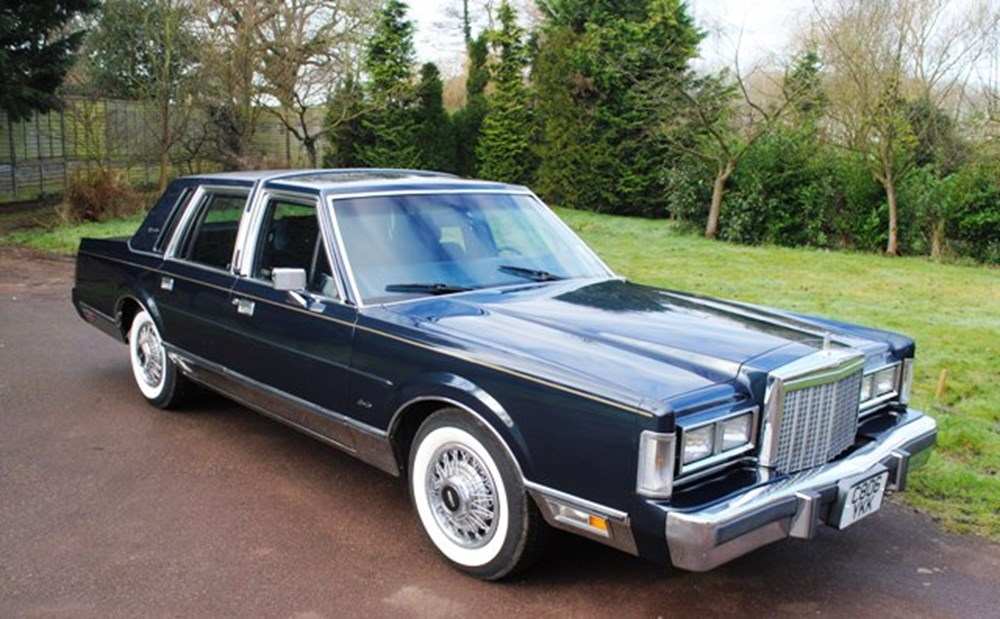 Lot 277 - 1986 Lincoln Town Car 'Signature Series'