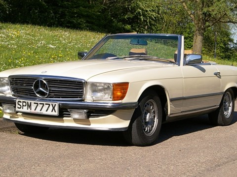 REF 85 1982 Mercedes-Benz 500SL Roadster
