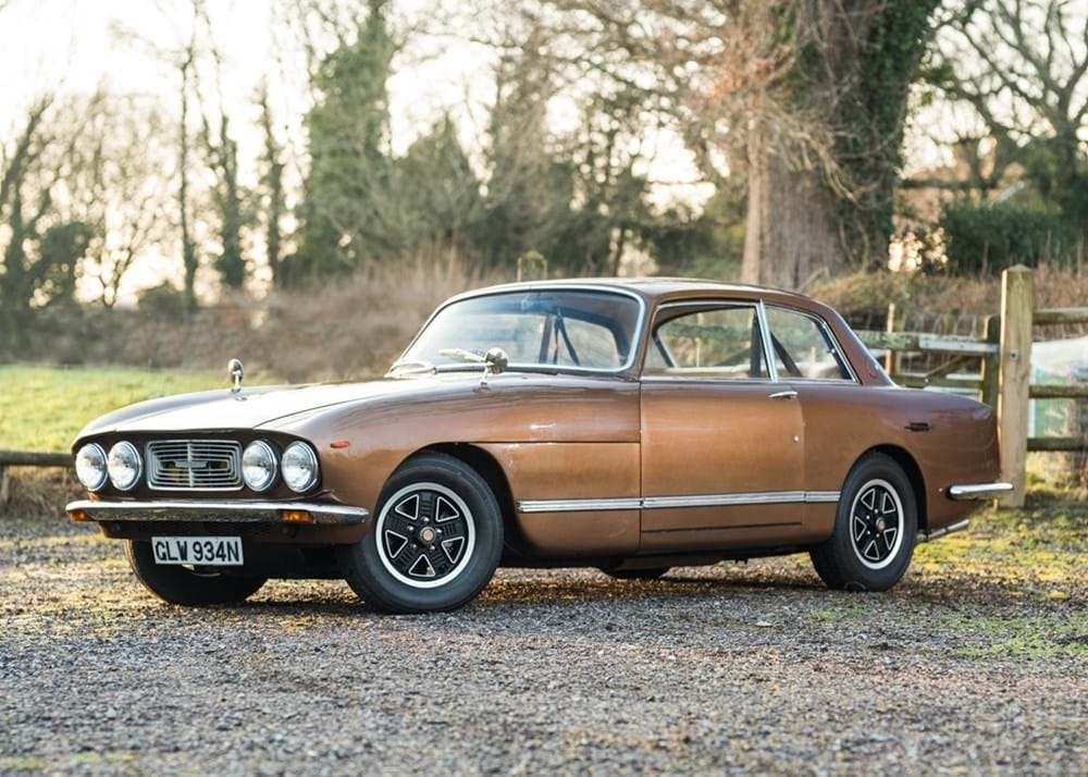 Lot 305 - 1975 Bristol 411 Series 4