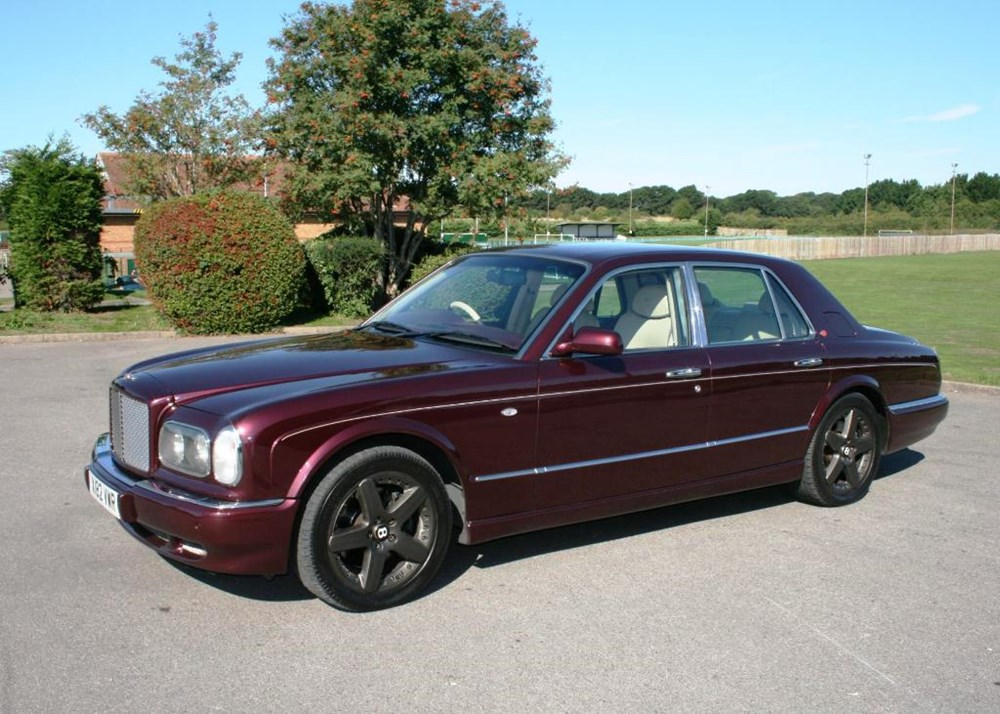 Lot 334 - 2000 Bentley Arnage Red Label