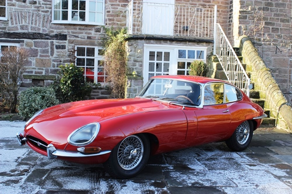 Lot 271 - 1964 Jaguar E-Type Series I Fixedhead Coupé