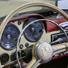 Ref 130  1960 Mercedes-Benz 190 SL Roadster -