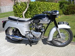 Navigate to Lot 329 - 1961 Triumph 6T Thunderbird