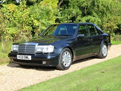 Navigate to Lot 285 - 1992 Mercedes-Benz 500E Saloon