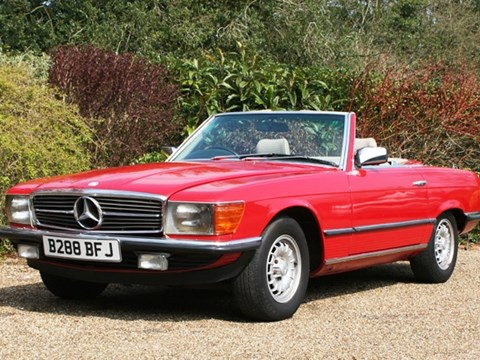 REF 26 1985 Mercededs-Benz 280SL Roadster