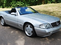 Navigate to Lot 209 - 2000 Mercedes-Benz SL 320