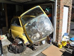 Navigate to Lot 112 - 1961 BMW Isetta
