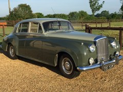 Navigate to Lot 212 - 1962 Bentley S2 Saloon