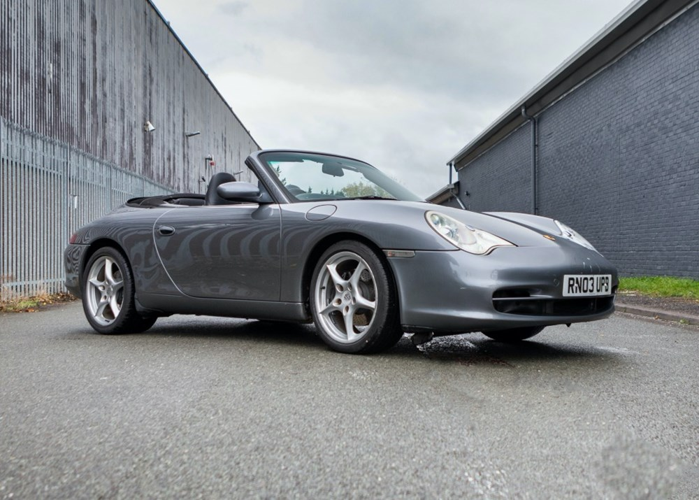 Lot 224 - 2003 Porsche 911 / 996 Carrera 2 Tiptronic