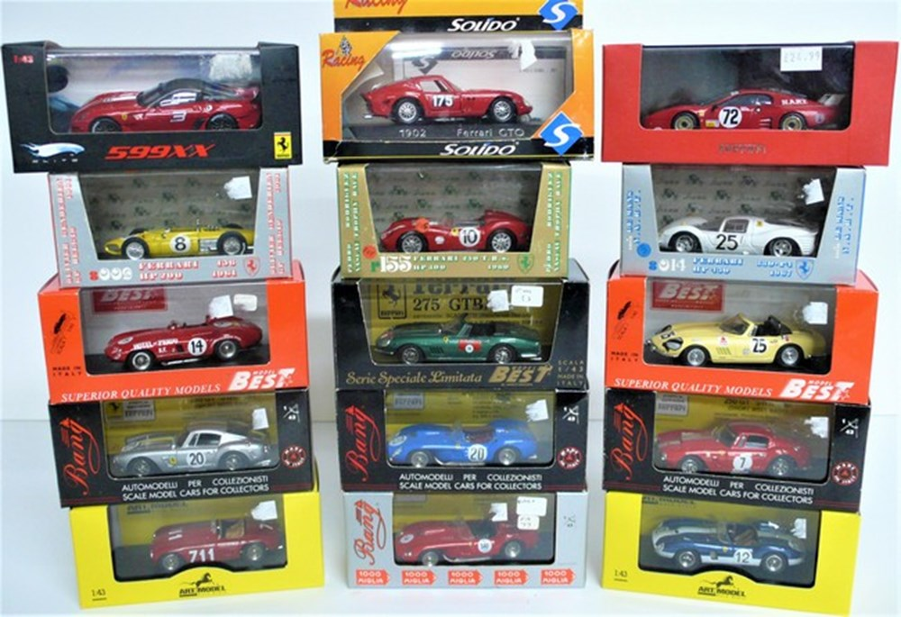 Lot 024 - Ferrari model cars.