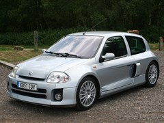 Navigate to Lot 315 - 2001 Renault Clio V6