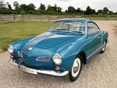 Navigate to Lot 302 - 1960 Volkswagen Karmann Ghia
