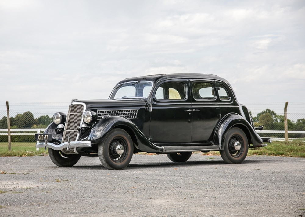 Lot 222 - 1935 Ford Model 48 Saloon