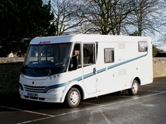 Navigate to Lot 329 - 2013 Fiat Dethleffs Globebus T8