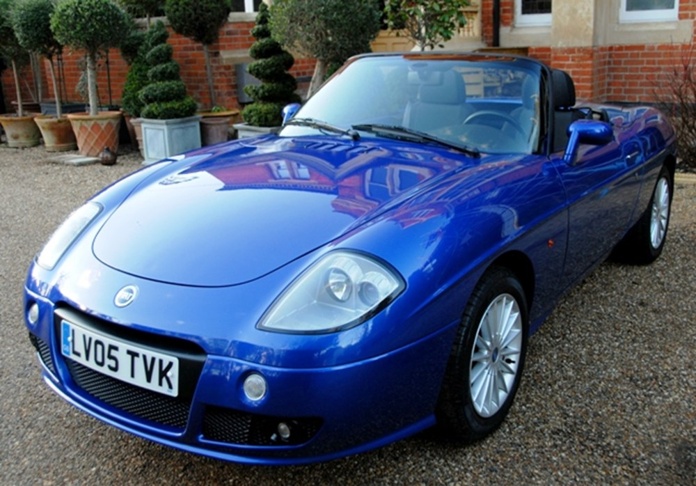 Lot 108 - 2005 Fiat Barchetta 16v