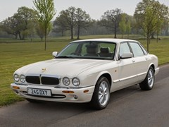 Navigate to Lot 278 - 1999 Jaguar XJ8 (4.0 litre)