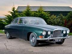 Navigate to Lot 239 - 1963 Jaguar Mk. X Saloon (3.8 litre)