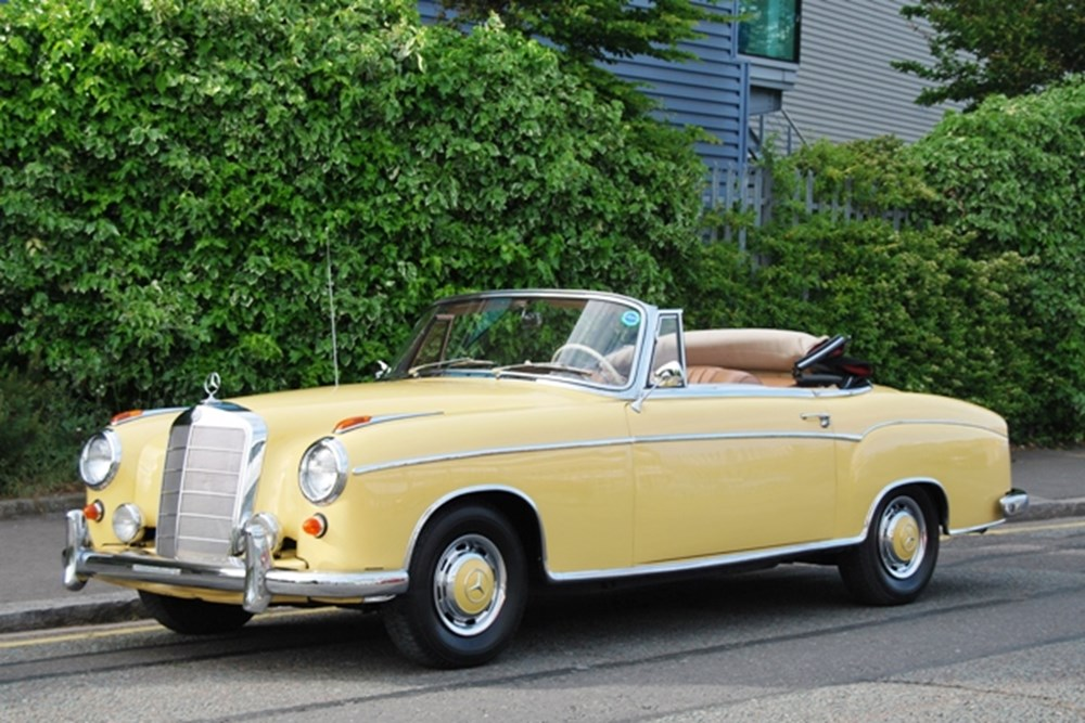 Lot 268 - 1960 Mercedes-Benz 220SE Cabriolet