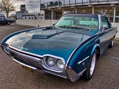 Navigate to Lot 212 - 1962 Ford Thunderbird