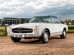 Navigate to Lot 302 - 1967 Mercedes-Benz 250 SL Pagoda