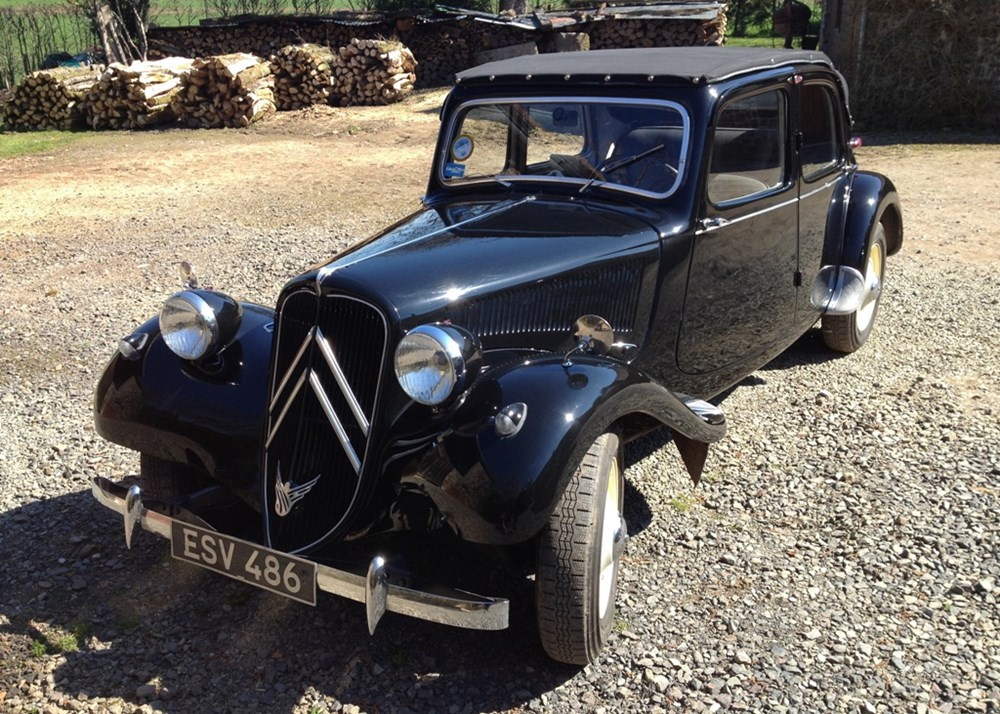 Lot 180 - 1953 Citroën Traction Avant Decouvrable