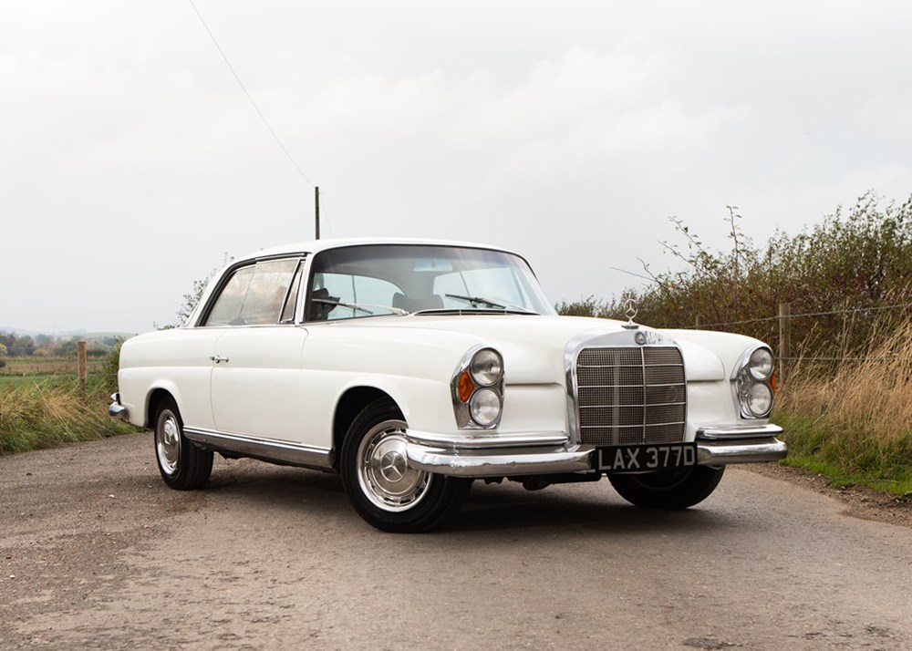 Lot 325 - 1966 Mercedes-Benz 250 SE Coupé